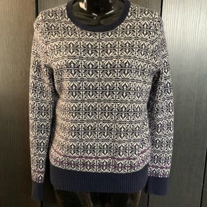 GAP crew neck cable knit sweater
